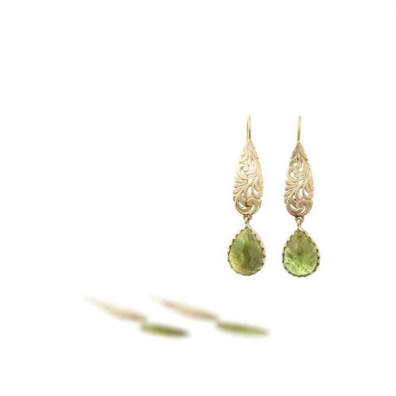 """Amelie<BR/><span class=""""disponibile"""">Available at our store<BR/>in Monza</span>"""